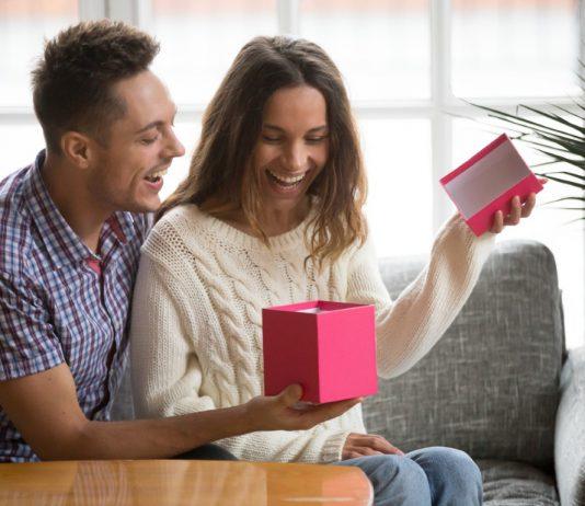איך להפתיע את החברה לקראת יום ההולדת בשלוש דרכים?